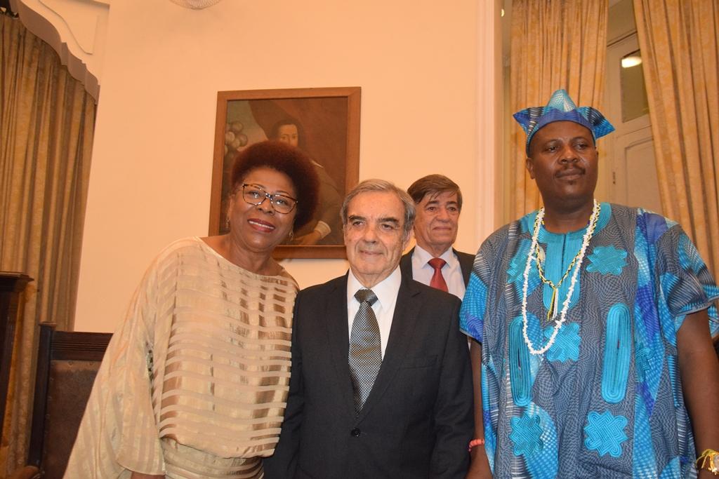 5c401bf6e9f Representante da realeza nigeriana marca presença no evento dos 124 anos do  IGHB