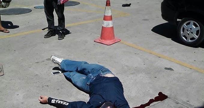 Bandido trapalhão mata o comparsa a tiro ao tentar balear vigilante durante assalto a um posto
