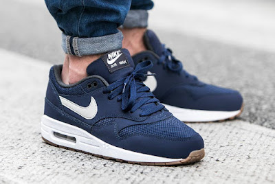 sports shoes f87e7 a5b2a ... Nike Air Max 1 Midnight Navy Light Essential Bone.
