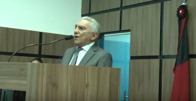 """VÍDEO: """"Trabalho,coragem e sobretudo honestidade com o dinheiro público, Temos que fazer uma política nova"""" afirmou Bonifácio Rocha em seu discurso de posse como prefeito de Patos"""