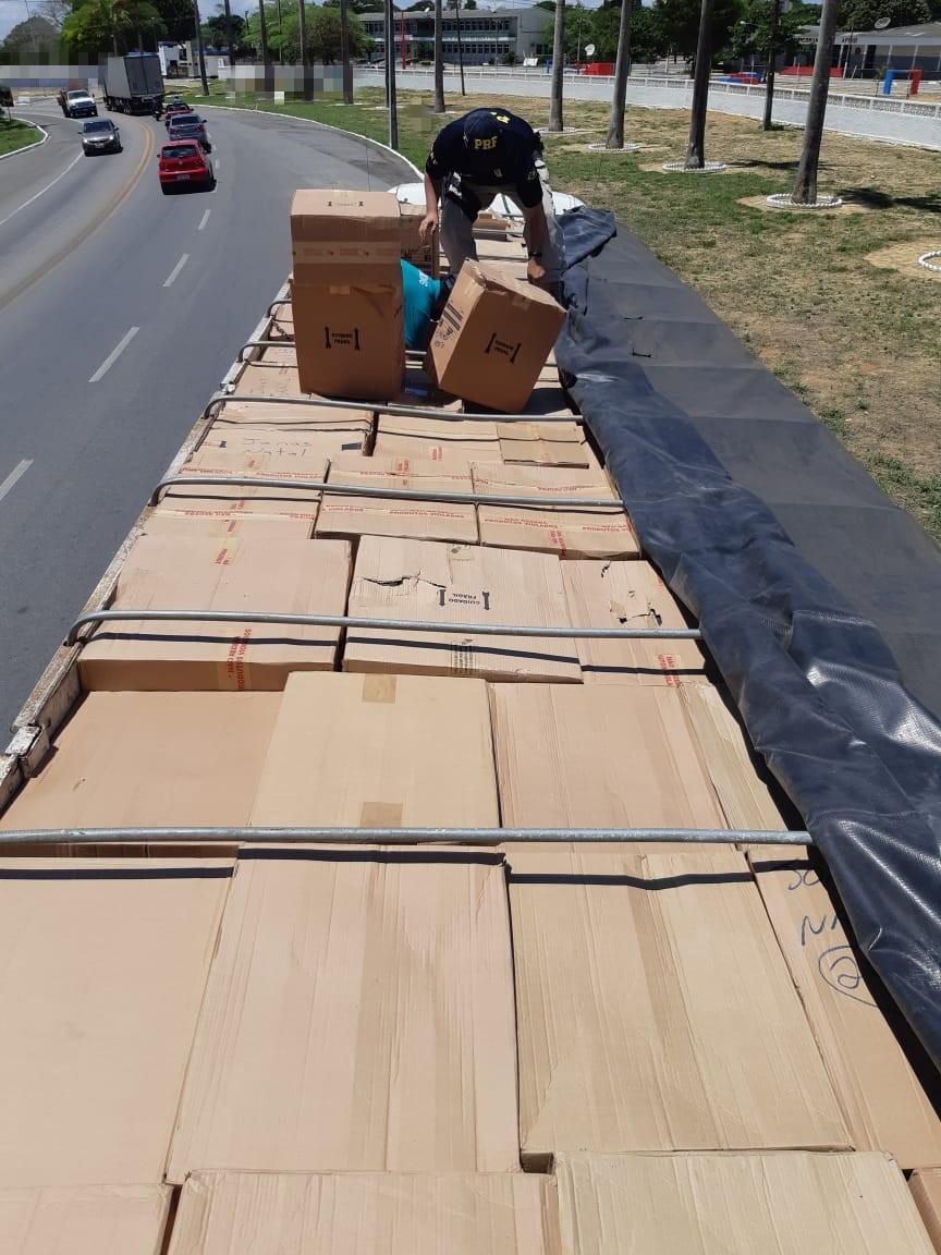 3c46fda52 O motorista, de 31 anos, informou que a mercadoria havia saído de  Conselheiro Lafaiete, em Minas Gerais, e seria entregue em Natal, no Rio  Grande do Norte.