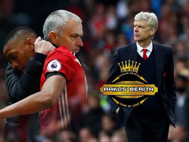 Wenger 'United Akan Bermain Menyerang, Bukan Parkir Bus'