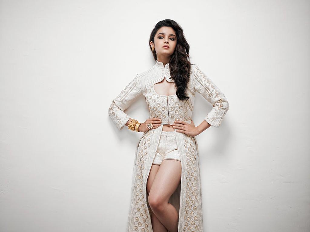 Hd Hot Wallpaper Of Alia Bhatt - Stylish Cover-5540