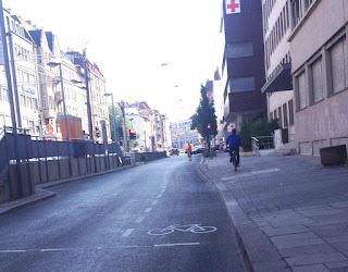 Dass Radfahrer bei Rot halten müssen, ist Quatsch