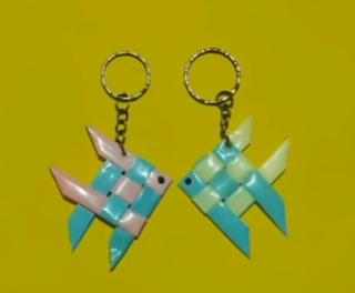membuat karya unik dari sedotan menggunakan karakter ikan