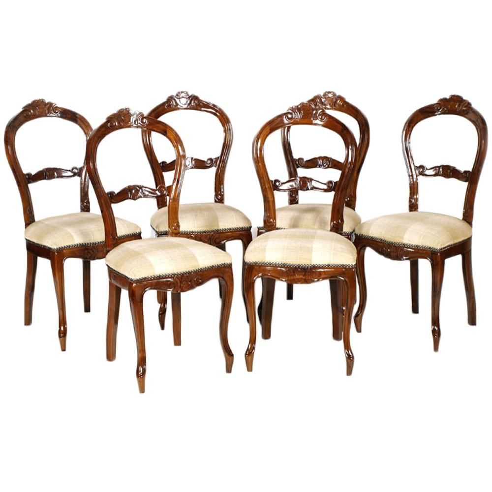 Sedie antiche tavolo bianco arredo total white contrasto for Sedie arredo