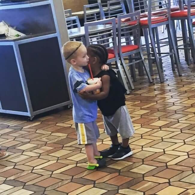 16 Pictures Of Children Restored Our Faith In Humanity - 'Hugging strangers in fast food restaurants.'