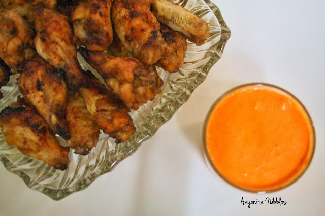 Perfect for a party: sweet brown sugar baked wings with red pepper ricotta sauce from www.anyonita-nibbles.com