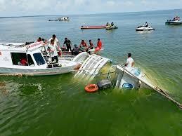 Τουλάχιστον 41 νεκροί σε δύο ναυάγια