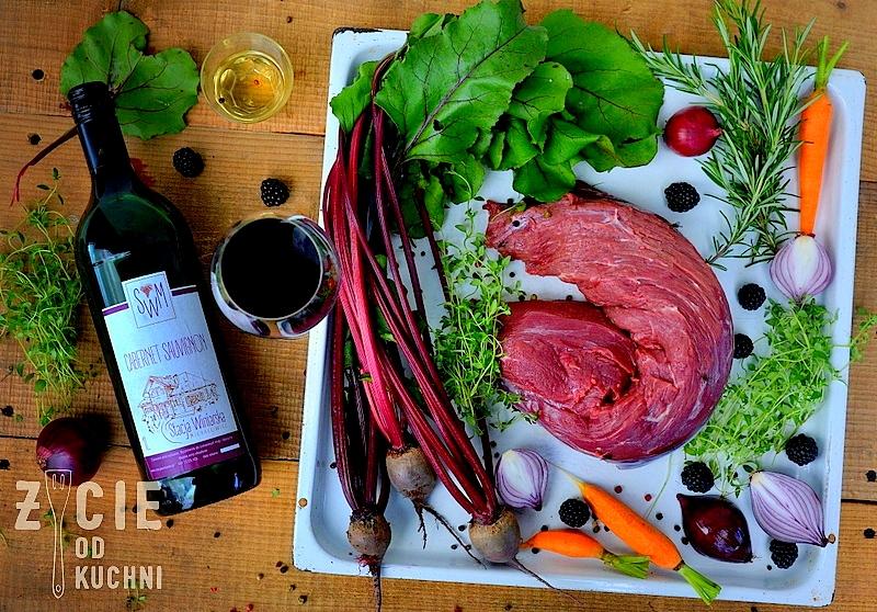 stacja winiarska michalowice, cabernet sauvignon, poledwica wolowa, befsztyk wolowy, czerwone wino, buraki, botwinka, marchewka,