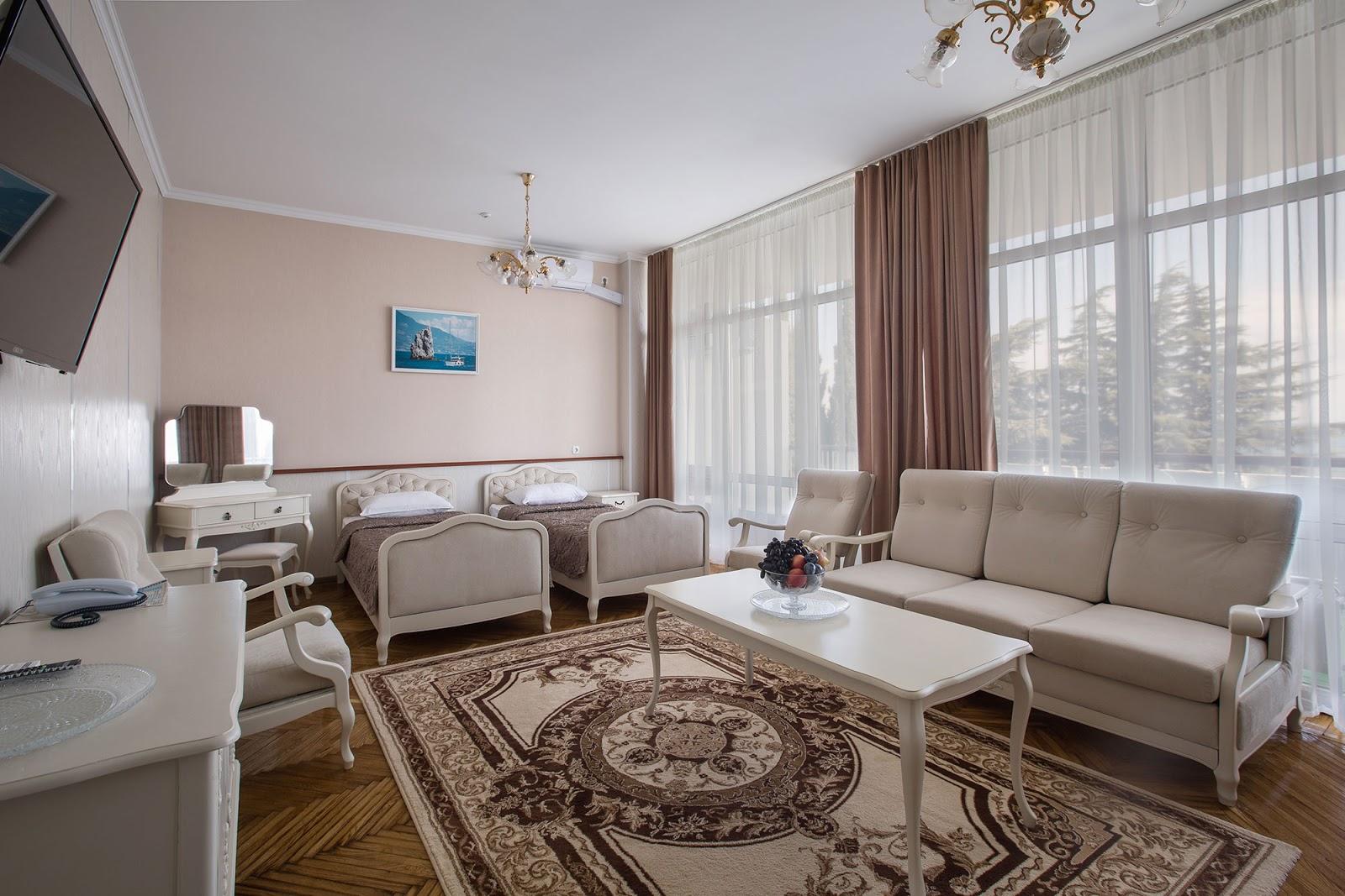 Полулюкс улучшенный в санатории Ай-Даниль в Гурзуфе