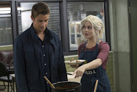 Robert Buckley and Rose McIver in iZombie Season 3 (20)