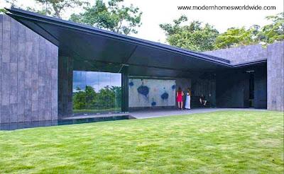 Moderna casa de estilo Contemporáneo y lineas vanguardistas