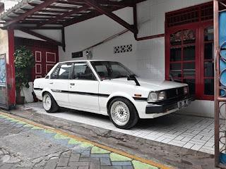 LAPAK MOBIL LAWAS : Dijua Corolla DX Tahun 83 Harga 35 Juta
