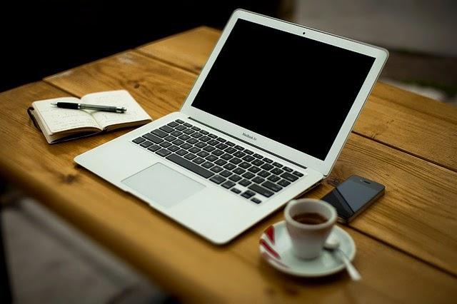 notebook en escritorio