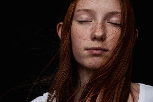photo by Jonas Carmhagen, fotos bonitas inspiradoras, joven con pecas