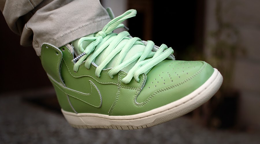 low priced b483c dd3eb Wear and Tear: Nike SBs That Change Colors Over Time   Skate ...