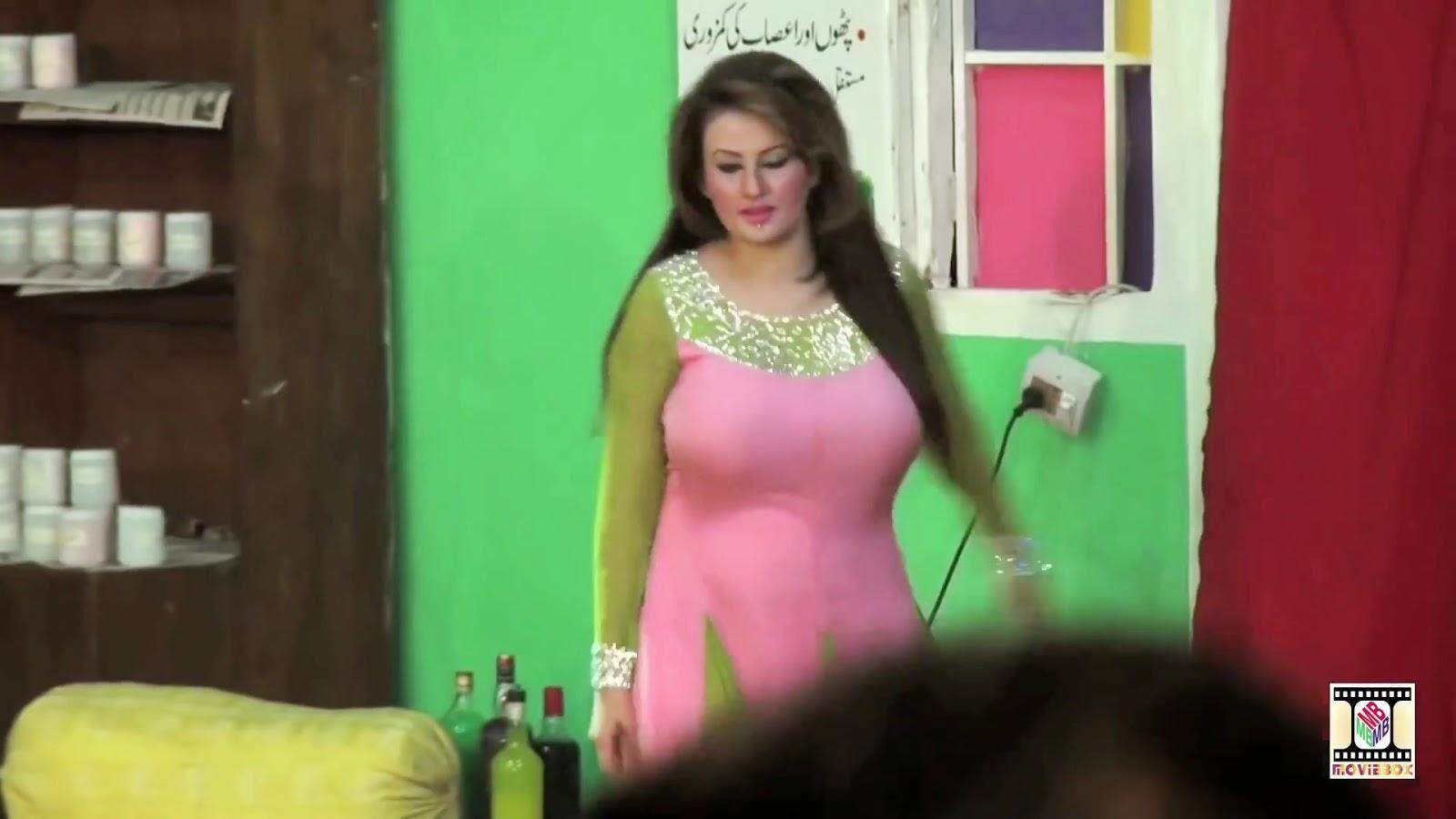 Sexy Pakistani Tv Anchors Nude-9439
