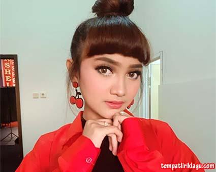 Lirik Lagu Jihan Audy - Budal Rabi
