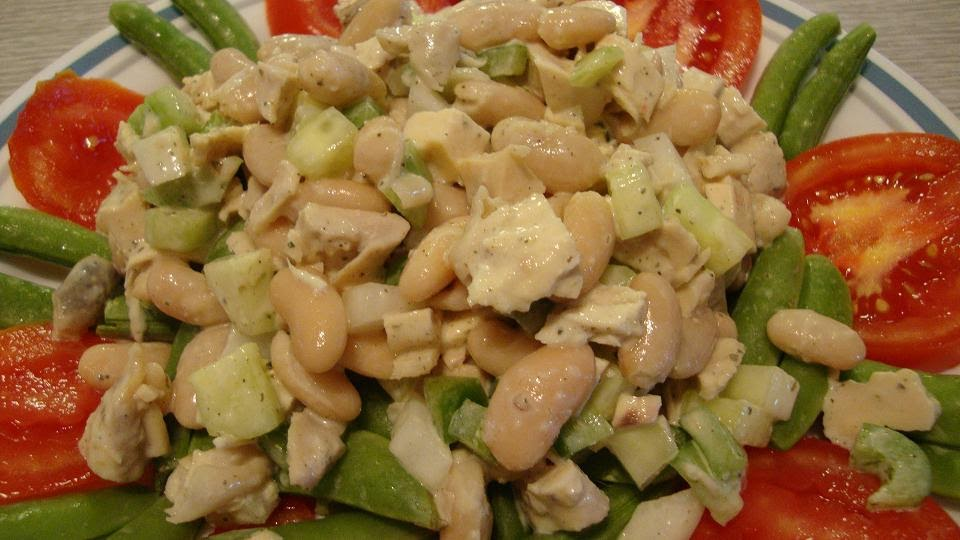 Walnut spinney bistro salad with homemade creamy italian - Where can i buy olive garden salad dressing ...