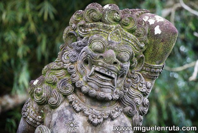 Esculturas-Pura-Taman-Ayun