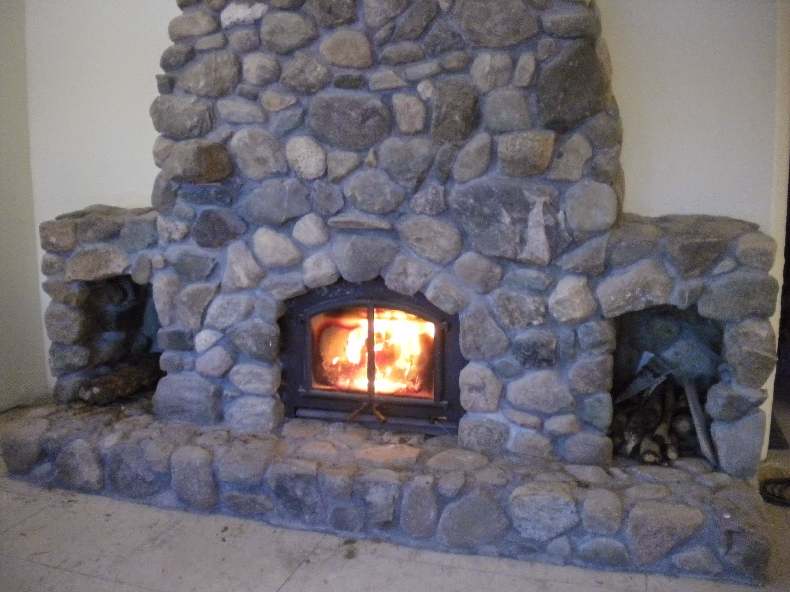 Feuerstelle Naturstein Proverbs 31 Living: A Natural Stone Fireplace
