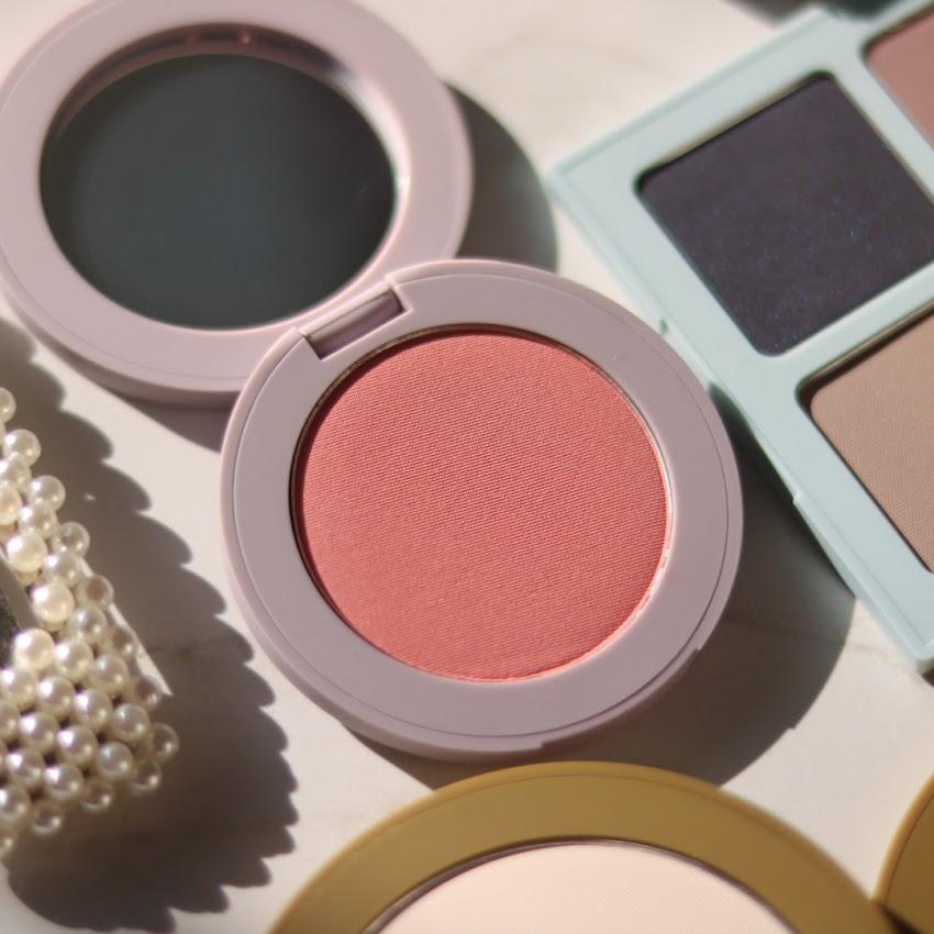 Peachy Pink Goodness | Vapour Powder Blush in Mischief
