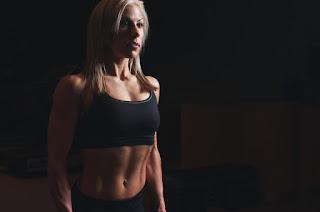 kalistenika dla początkujących, kalistenika jak zacząć, ćwiczenia kalistenika, paul wade trening, kalistenika trening, trening kalisteniczny, plan treningowy kalistenika, kalistenika zestaw ćwiczeń,