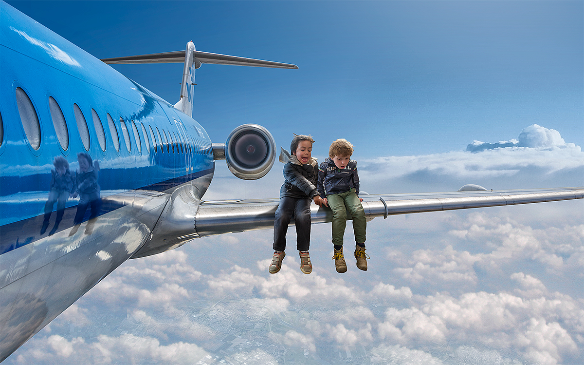 06-Best-Seats-on-the-Plane-Adrian-Sommeling-Surreal-Photo-Manipulation-with-a-Son-s-Help-www-designstack-co