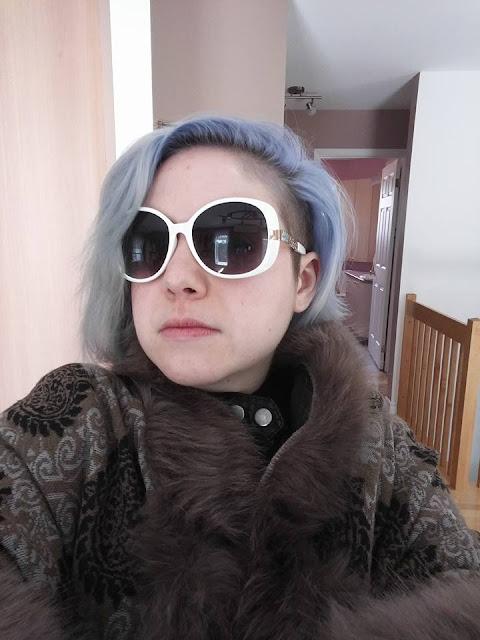 Cheveux Gris #GrannyHair: La coloration et les soins!