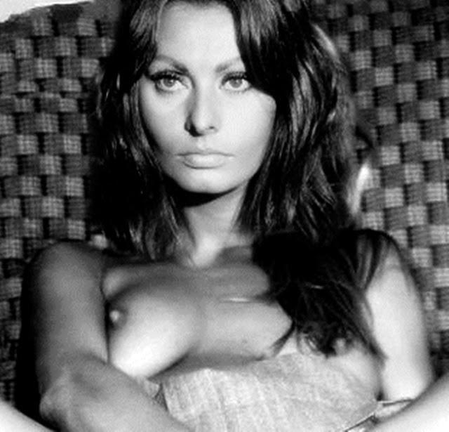 Italian Celebrity Nude 7