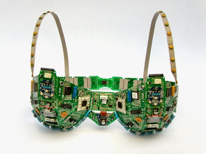 14-Support-Steven-Rodrig-Upcycle-PCB-Sculptures-from-used-Electronics-www-designstack-co