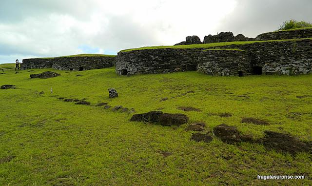 Alojamento dos guerreiros que participavam do Ritual do Homem-Pássaro, na Vila Cerimonial de Orongo, Ilha de Páscoa