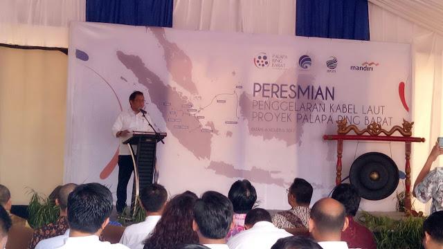 Menteri Komunikasi dan Informatika Rudiantara Meresmikan Penggelaran Kabel Laut Proyek Palapa Barat