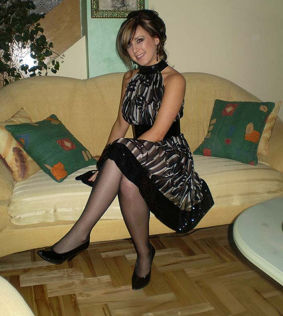 Hot mature pantyhose and heels
