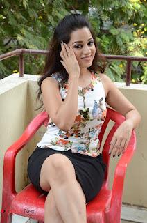 Actress Reshma Rathore Jeelakarra Bellam Movie Press Meet  0104