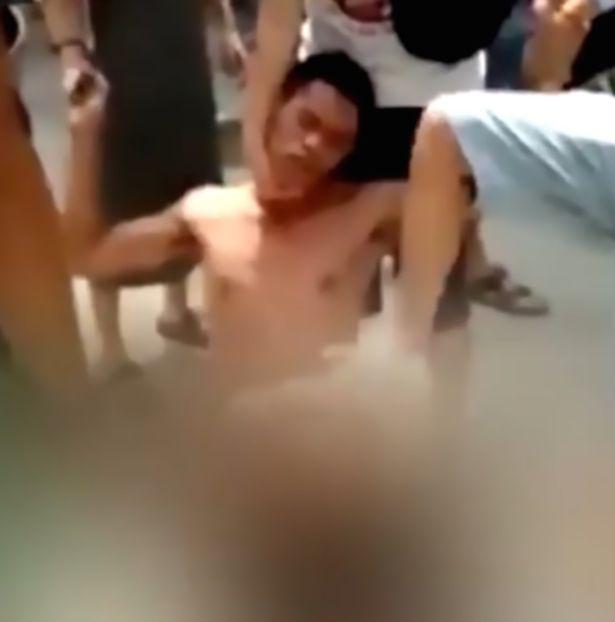desnudo pervertido