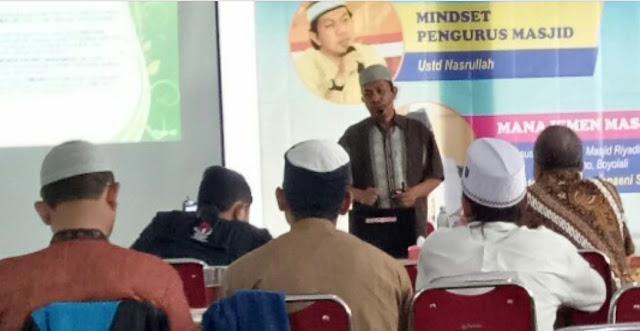 Memberikan Yang Terbaik Untuk Masjid Kita