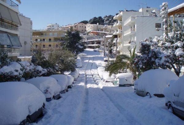 Κούλουμα στα «λευκά»: Σε ποιες περιοχές της χώρας θα χιονίσει την Καθαρά Δευτέρα;