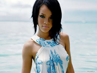 beautiful female singers