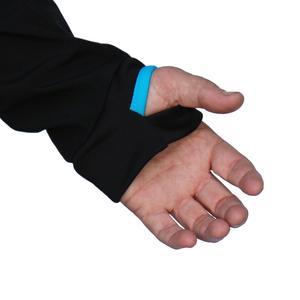 萊卡姆指袖口,遮蓋手背,能抵抗寒冷。