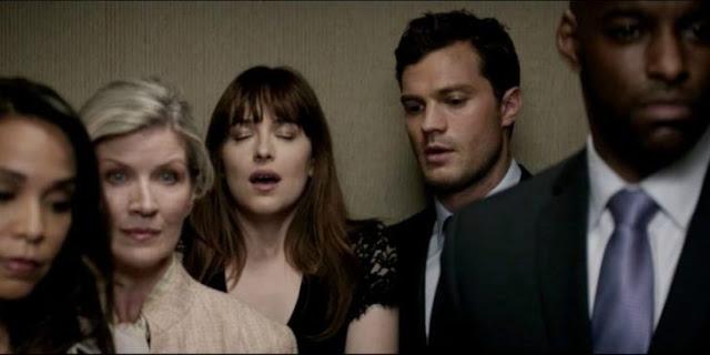 Encuentran en cine un pepino en la función de Fifty Shades