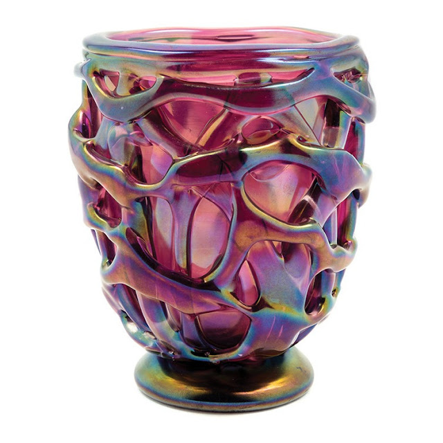 Hindman 20th Century Glass Auction