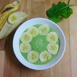 Batido verde con cuchara
