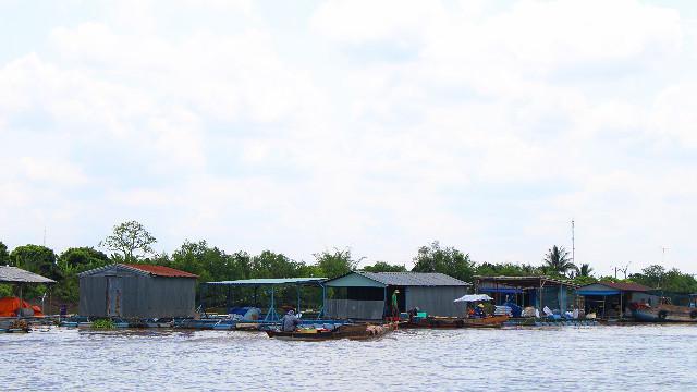 tur sungai mekong delta