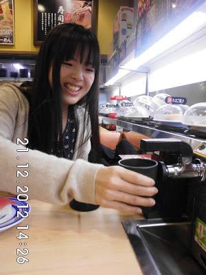 Kran minum di Kaitenzushi