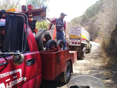 """Encuentran abandonada Camioneta de """"Sonigas"""""""