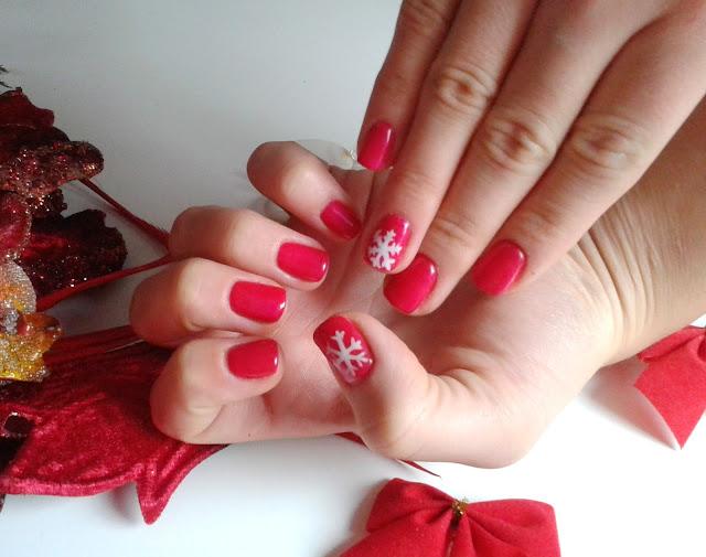 Zimowo świąteczna stylizacja paznokci
