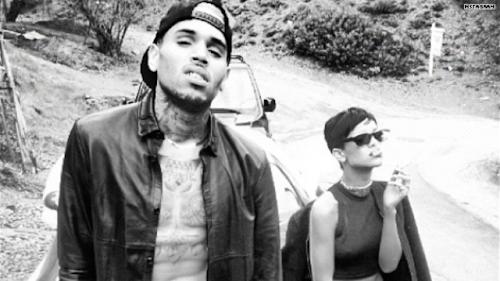 Preview de 'Counterfeit' de Chris Brown junto a Rihanna cae