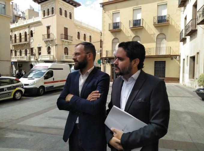 David Caballero y Juan Antonio Sempere llevarán a los tribunales al alcalde por incumplimiento de la legislación
